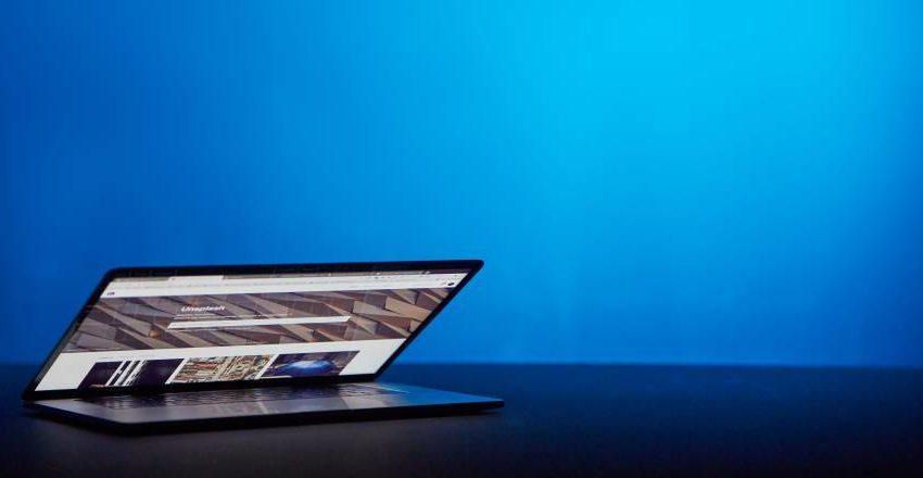 Program online pentru creare site - adică site builder ca SaaS